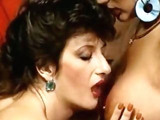 Lezzies Orgasm On Retro Movie