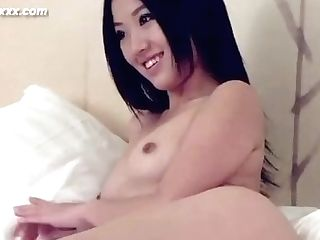 The Sexy Female Model Is A Beautiful Female Model